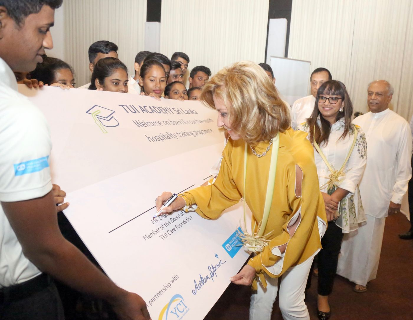 Ms Dagmar Wöhrl, Board Member of the TUI Care Foundation, at the launch event for our youth employment project TUI Academy Sri Lanka with young hotel staff.