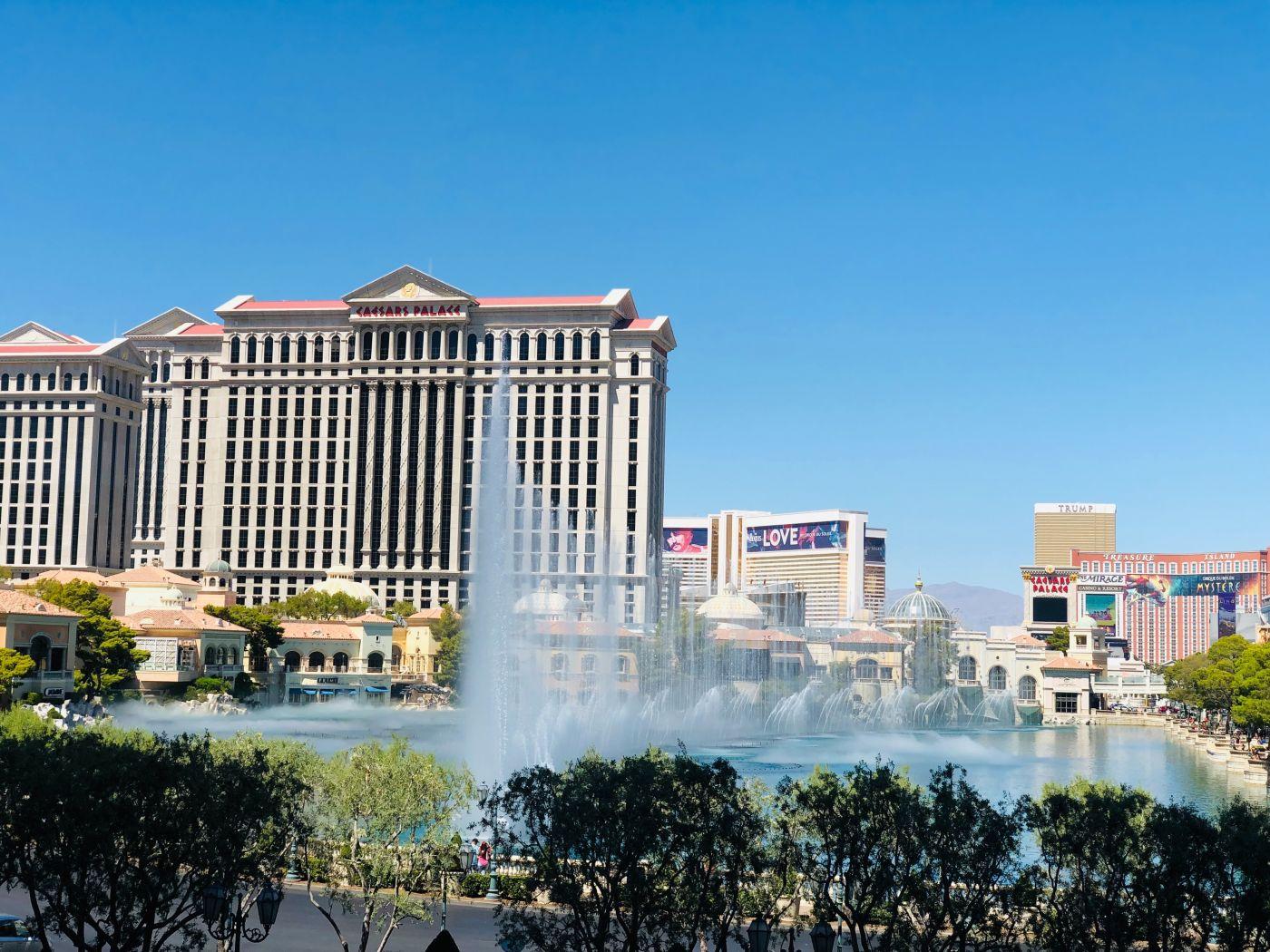 Caesars-Entertainment-hotel