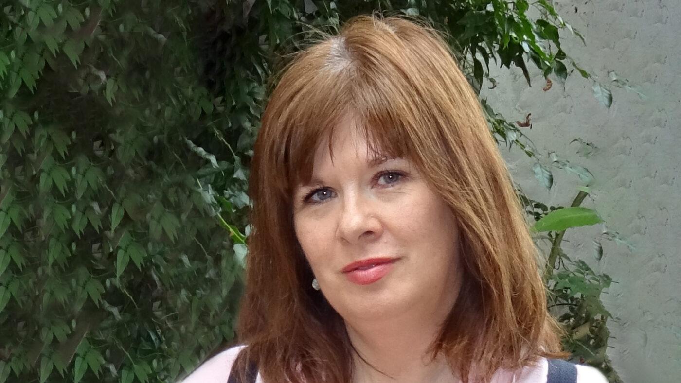 Lesley Wolfenden